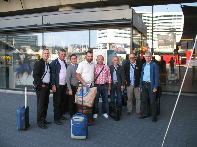 20120901h-amsterdam-schiphol-departure-for-pristina-via-copenhagen-group-photo